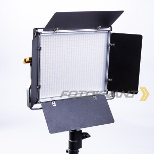 Светодиодная панель с шторками 660 диодов 3000-5200К Fotokvant LED-660BD PRO