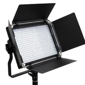 Светодиодный осветитель c пультом д/у 30Вт 3200K-5600K Fotokvant LED-540ASRC